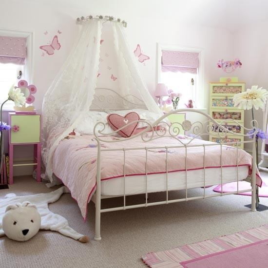 10 adorable princess themed girls bedroom ideas rilane for Princess themed bed