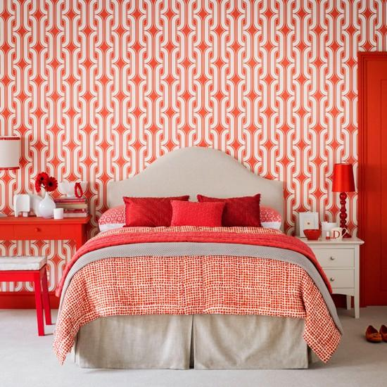 Wibrant Red And White Bedroom Wallpaper