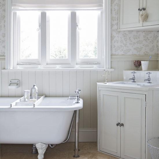 15 light and airy bathroom design ideas rilane for Living etc bathroom ideas