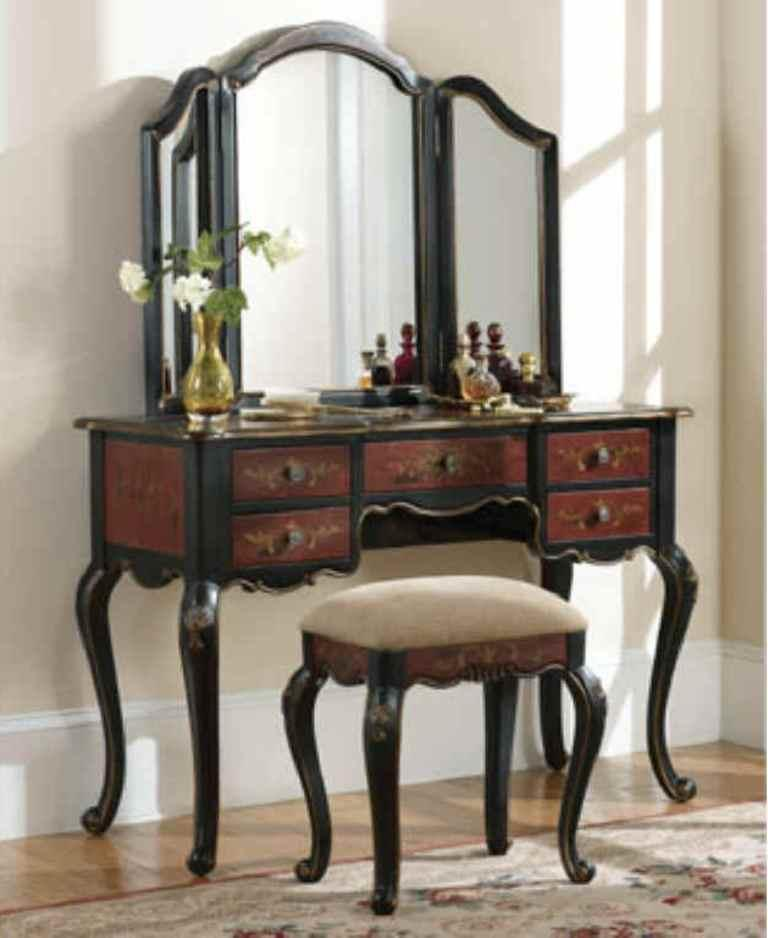 Antique French Inspired Bedroom Vanity - 12 Amazing Bedroom Vanity Set Ideas - Rilane