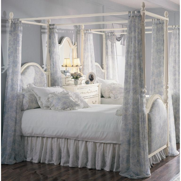 Blue and White Floral Canopy Curtain