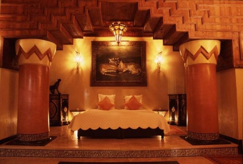 Dramatic Morrocan Themed Bedroom