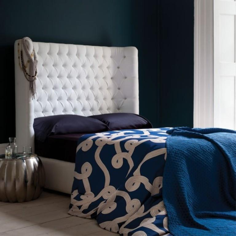 15 statement studded headboards in modern bedrooms rilane for Dramatic beds