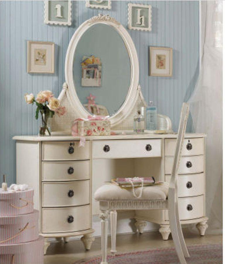 12 amazing bedroom vanity set ideas rilane for White bedroom vanity
