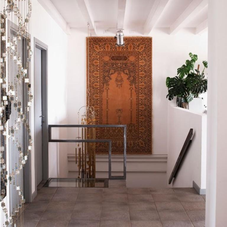 13 Smart Hallway Flooring Design Ideas - Rilane