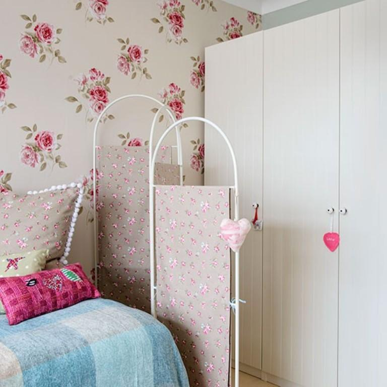 10 Beautiful Wallpaper Designs For Girl S Bedroom Rilane