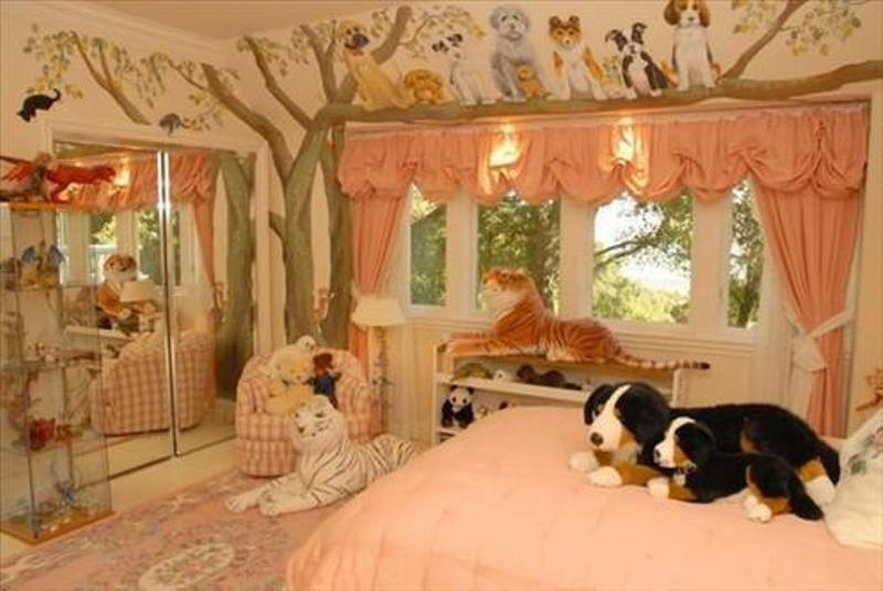 20 jungle themed bedroom for kids rilane for Forest themed bedroom ideas