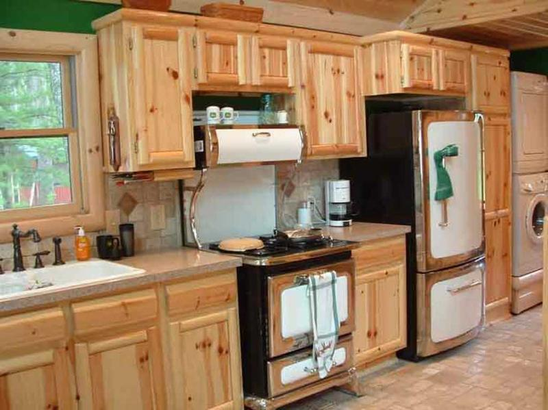 10 rustic kitchen designs with unfinished pine kitchen for Upper end kitchen cabinets