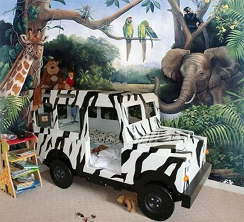 Jungle Themed Bedroom With Safari Car Bed