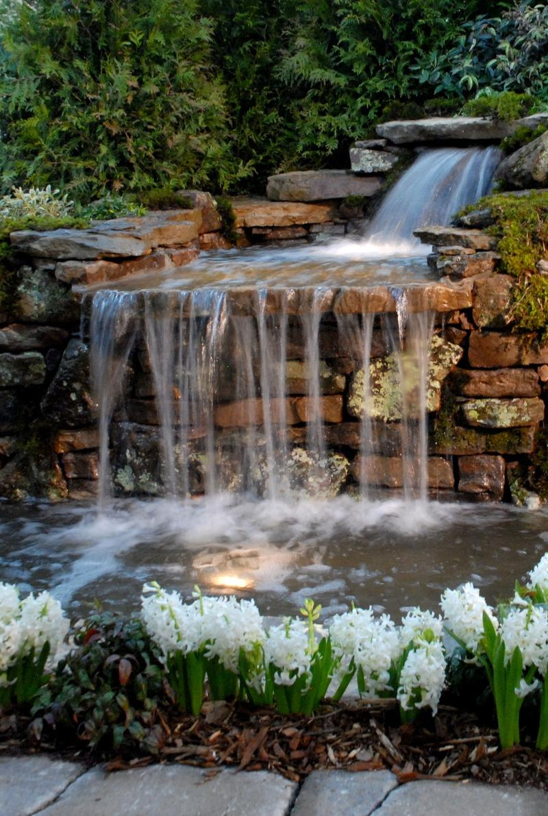 Relaxing backyard waterfalls ideas rilane for Garden pond waterfalls for sale