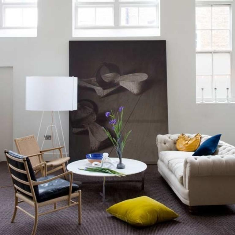20 Cool Living Rooms with Statement Artwork - Rilane