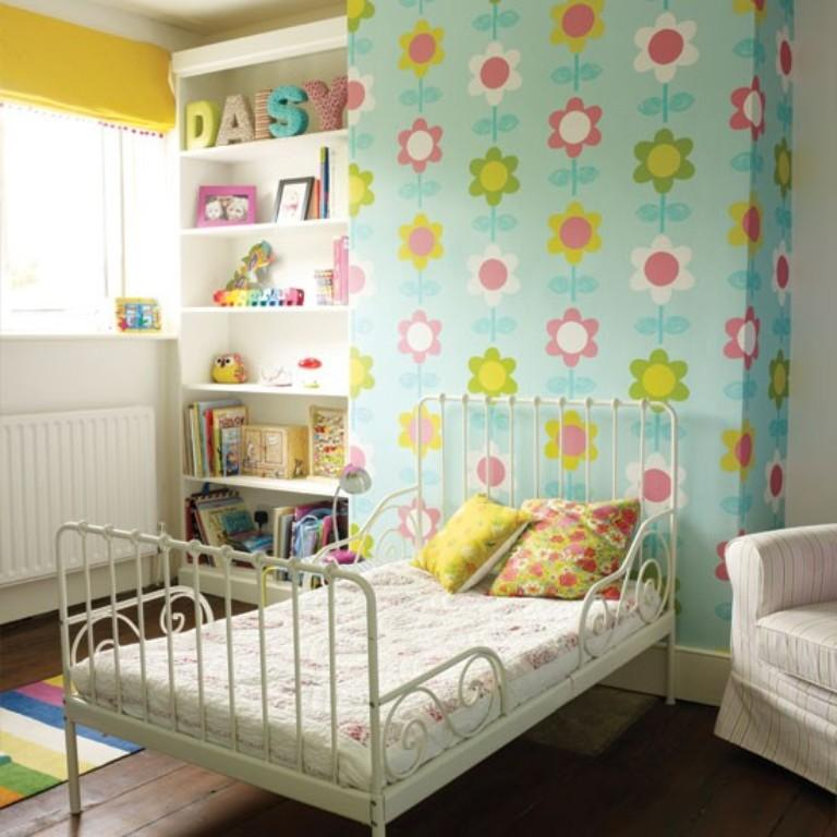 10 beautiful wallpaper designs for girl s bedroom rilane for Girls bedroom wallpaper ideas
