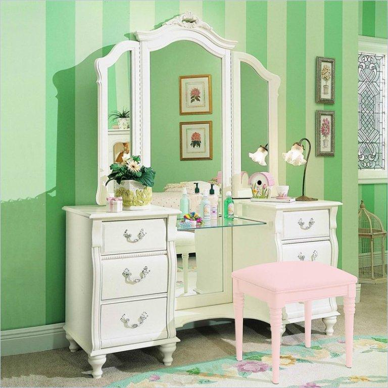 12 Amazing Bedroom Vanity Set Ideas - Rilane