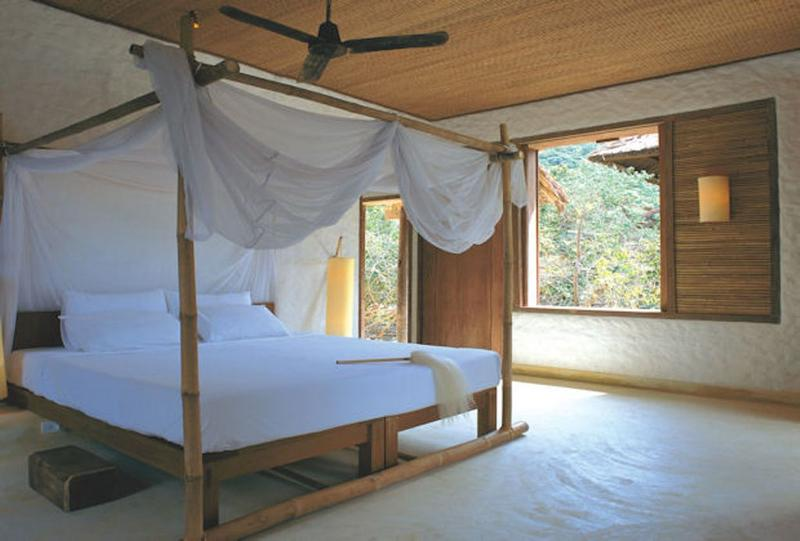 outstanding beach themed bedroom with canopy bed