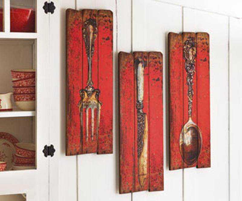 10 fun spoon and fork wall decor for creative kitchen rilane for Red dining room wall art