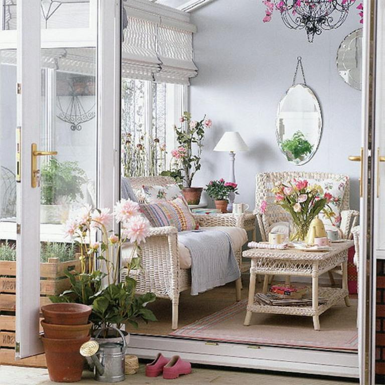 Small Country Inspired Porch Decoration & 10 Small Porch Decorating Ideas - Rilane