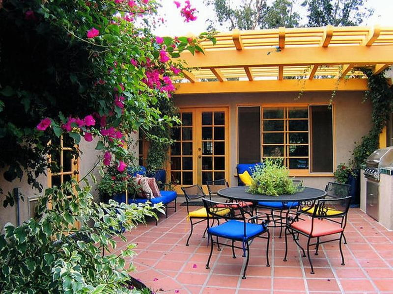 10 modern patio design ideas rilane for Mexican porch designs