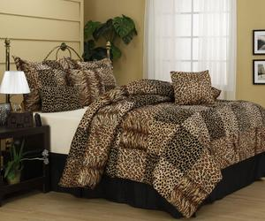 10 Amazing Bedrooms with Cheetah Bedding Print