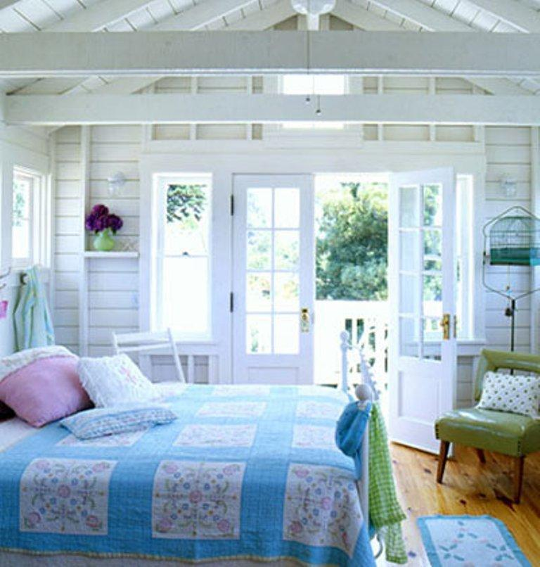 Wonderful Vintage Beach Themed Bedroom