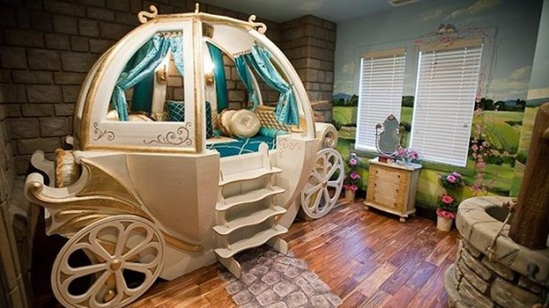 Awesome White And Gold Princes Carriage Bed