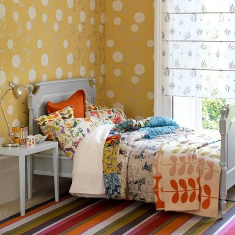 Bright Country Bedroom For Girls