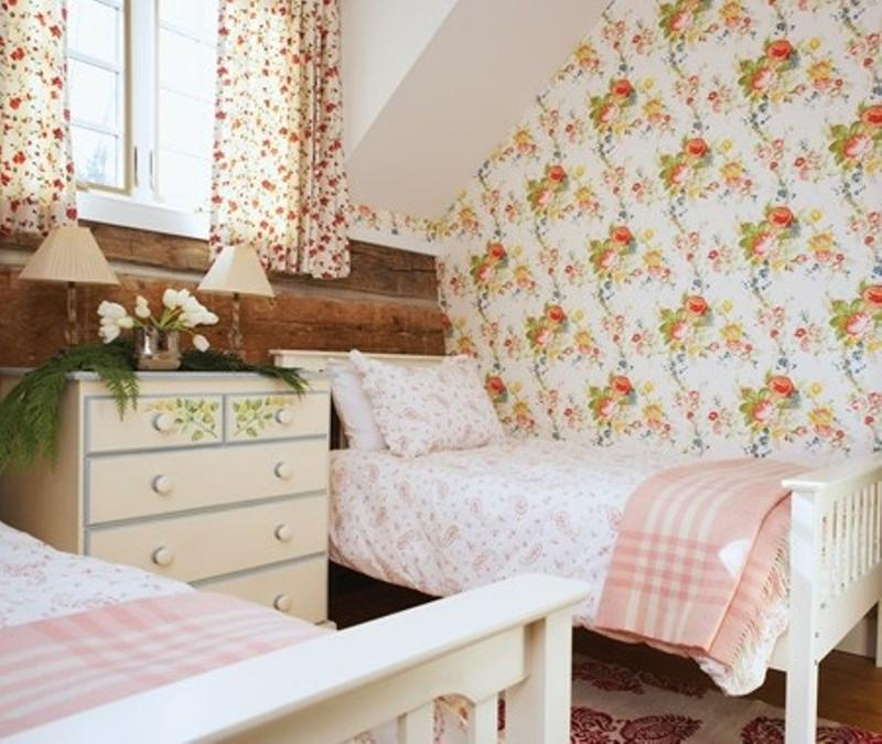 Perfect Cheery Country Bedroom For Girls