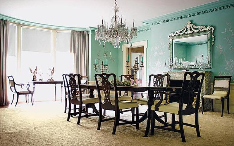 Classic Dining Room With Big Chandelier