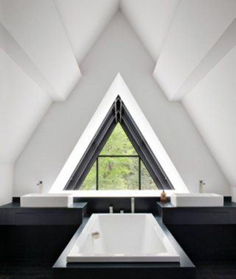 15 Magnificient Attic Bathroom Designs