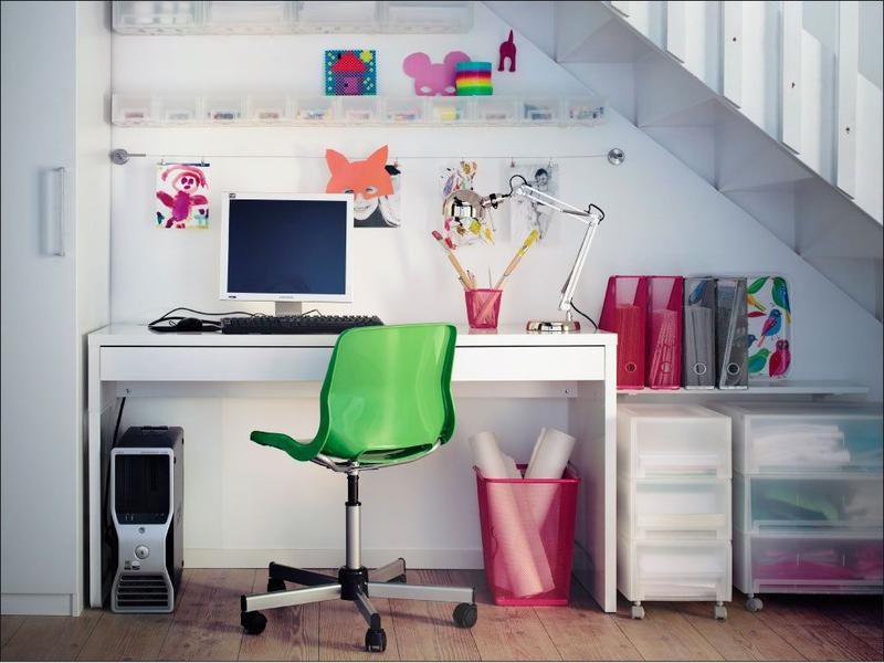 under stairs office. 15 Smart Under Stairs Home Office Designs