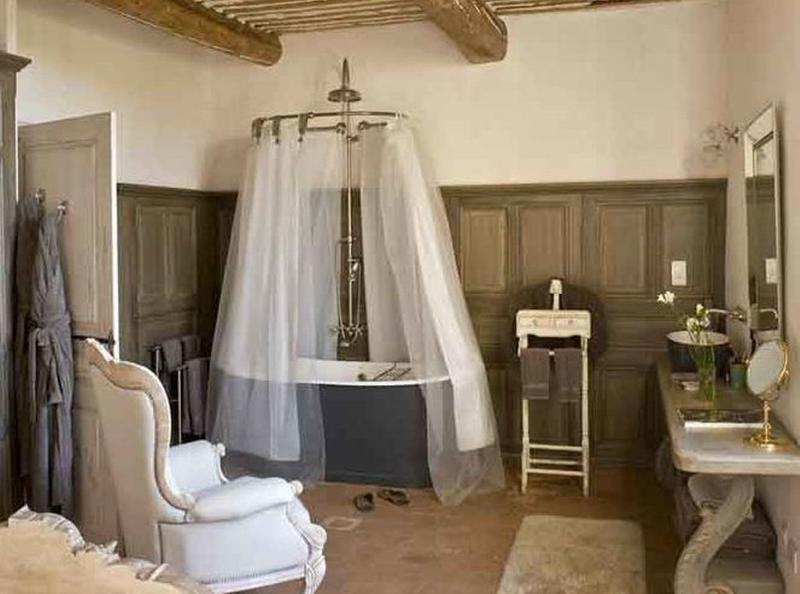 15 charming french country bathroom ideas rilane for Images of country bathrooms