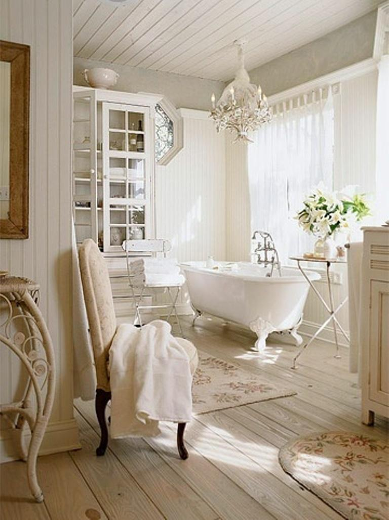 Bathrooms with clawfoot tub pictures - Elegant Clawfoot Bathtub