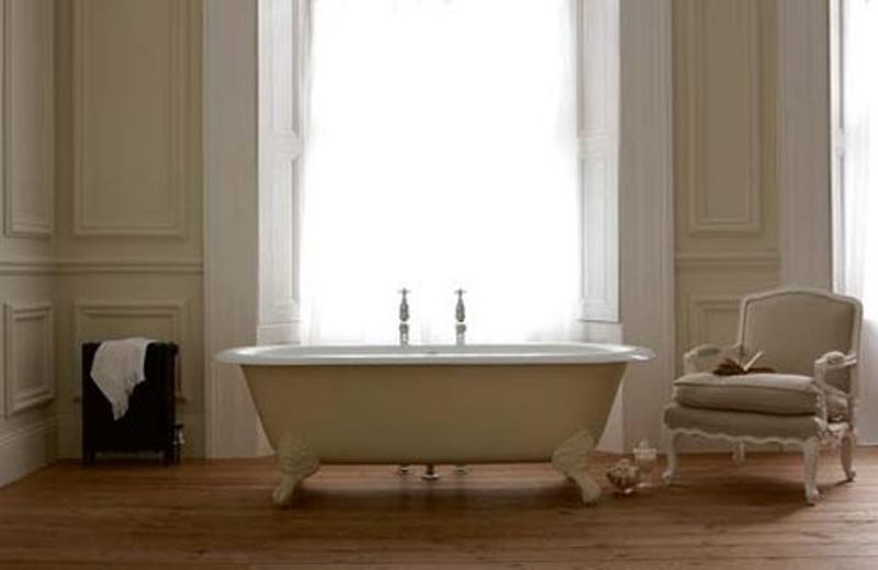 Minimalist French Bathroom