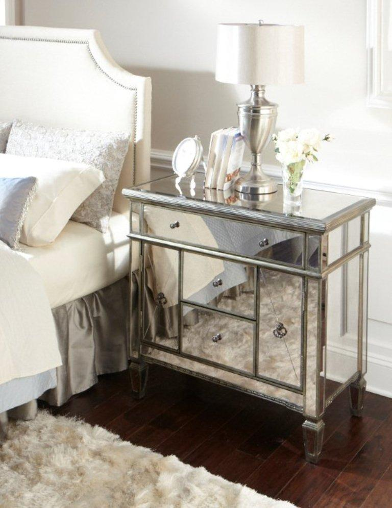 10 Cly Mirrored Bedside Table Designs