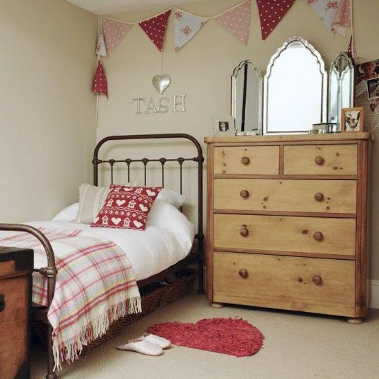 Country Bedrooms  Clandestininfo - Small country bedroom ideas