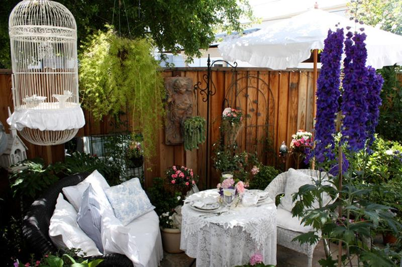 14 Romantic Backyard Patio Design Ideas - Rilane