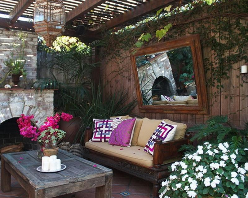 Romantic Summer Patio Design