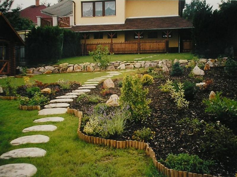 Garden Walkways Ideas 12 charming garden pathway ideas rilane 12 charming garden pathway ideas workwithnaturefo