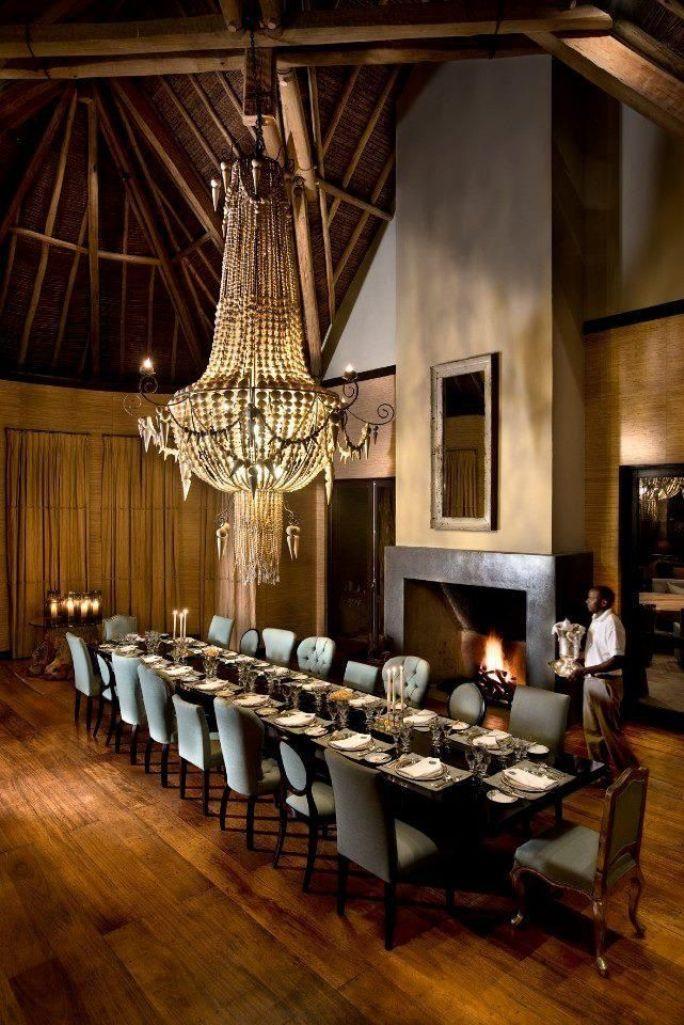 15 classy dining room chandelier ideas rilane for Classy dining room
