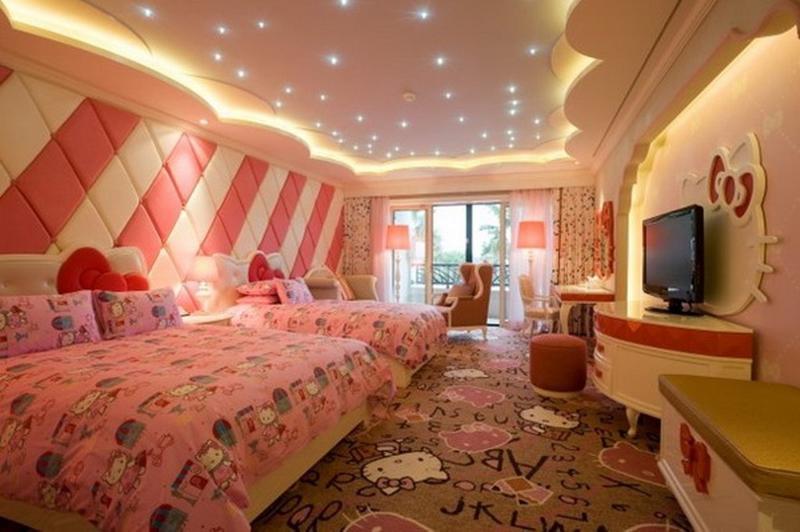 Spacious Hello Kitty Bedroom