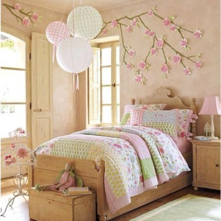 Lovely Spring Country Bedroom For Girls