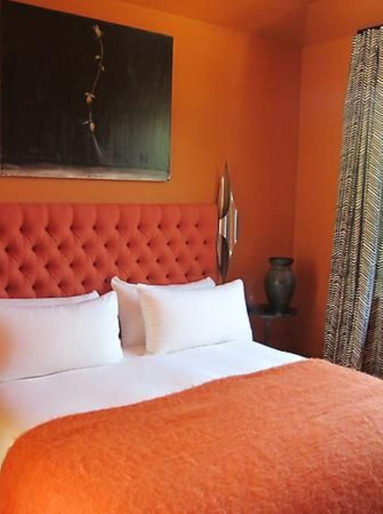 15 Refreshing Orange Bedroom Designs Rilane
