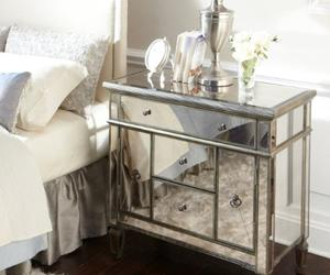 10 Classy Mirrored Bedside Table Designs