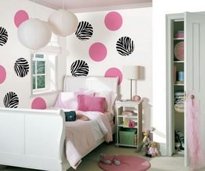14 Decorous Polka Dotted Bedrooms