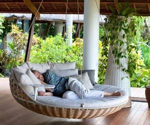 13 Comfy Outdoor Swing Bed Designs