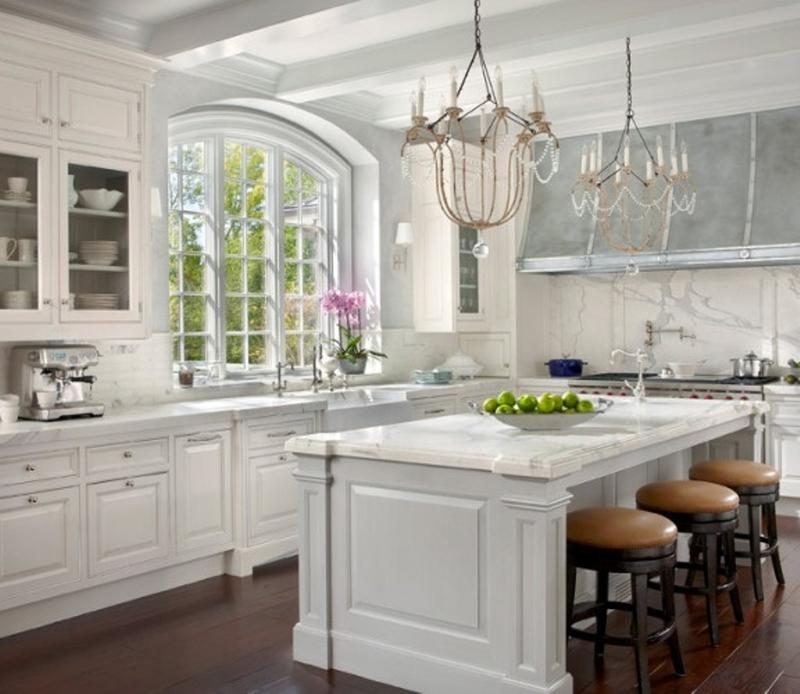 15 french inspired kitchen designs rilane for French kitchen design