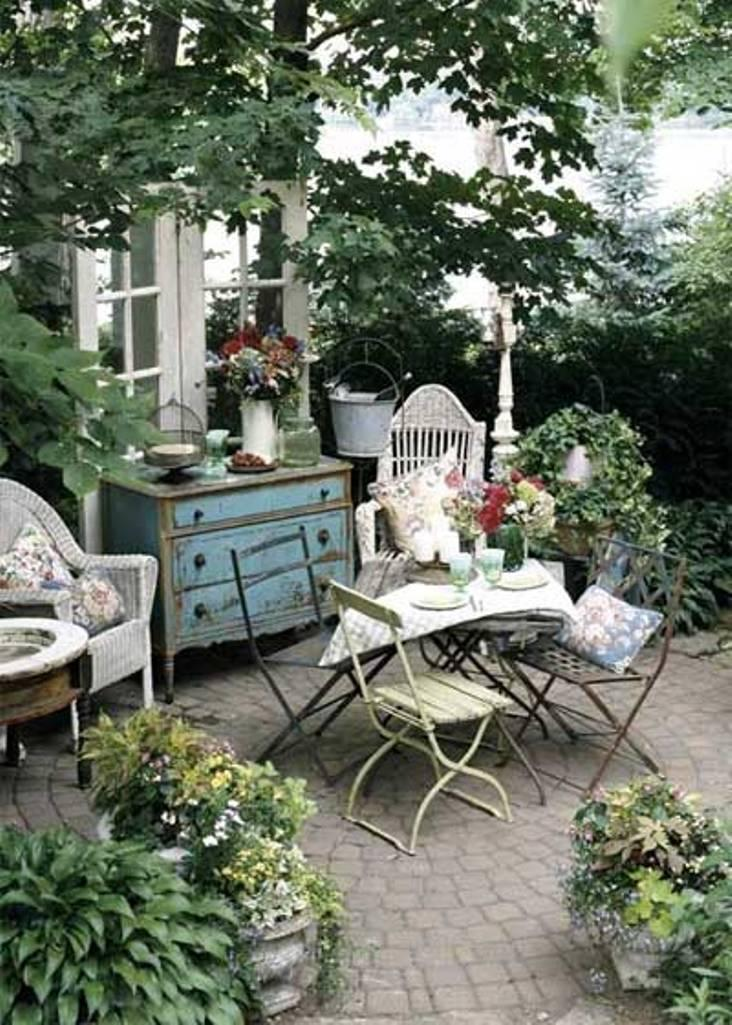 vintage patio and garden - Design Backyard Patio