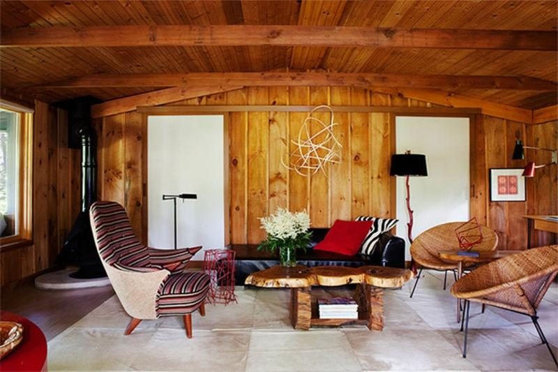 Attractive Warm Cottage Inspired Living Room With Wood Paneling