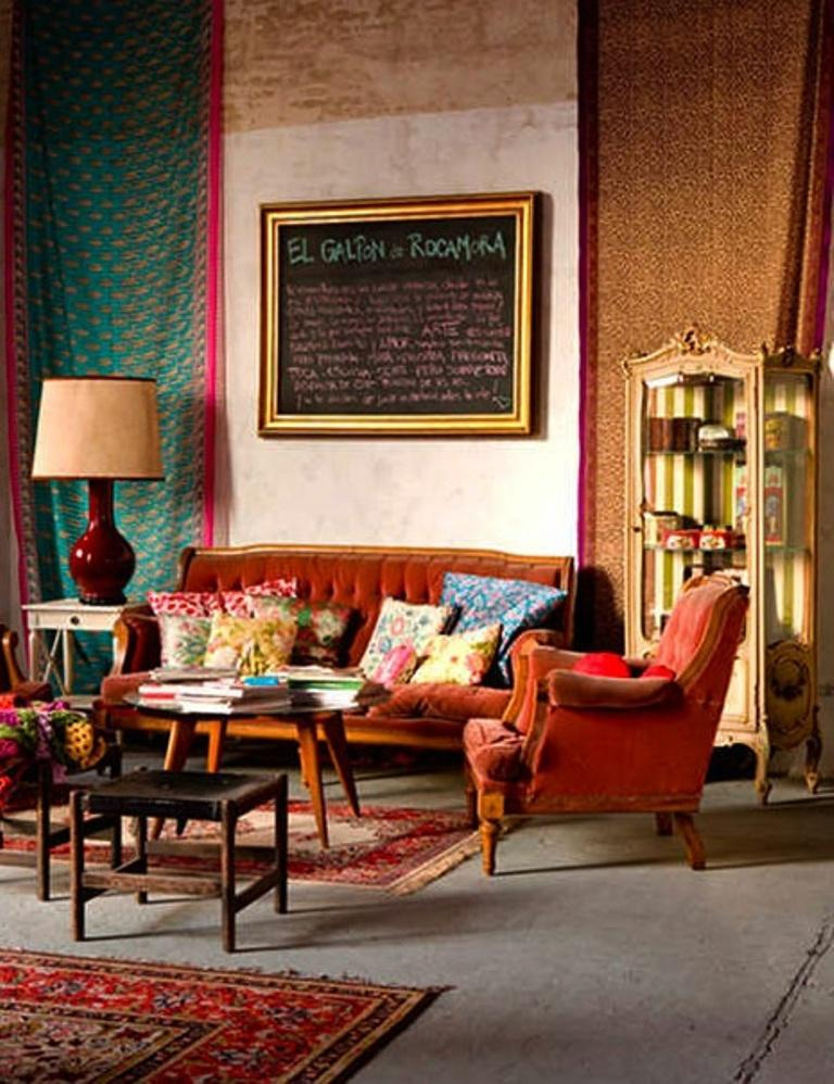 20 inspiring bohemian living room designs rilane for Vintage style living room ideas
