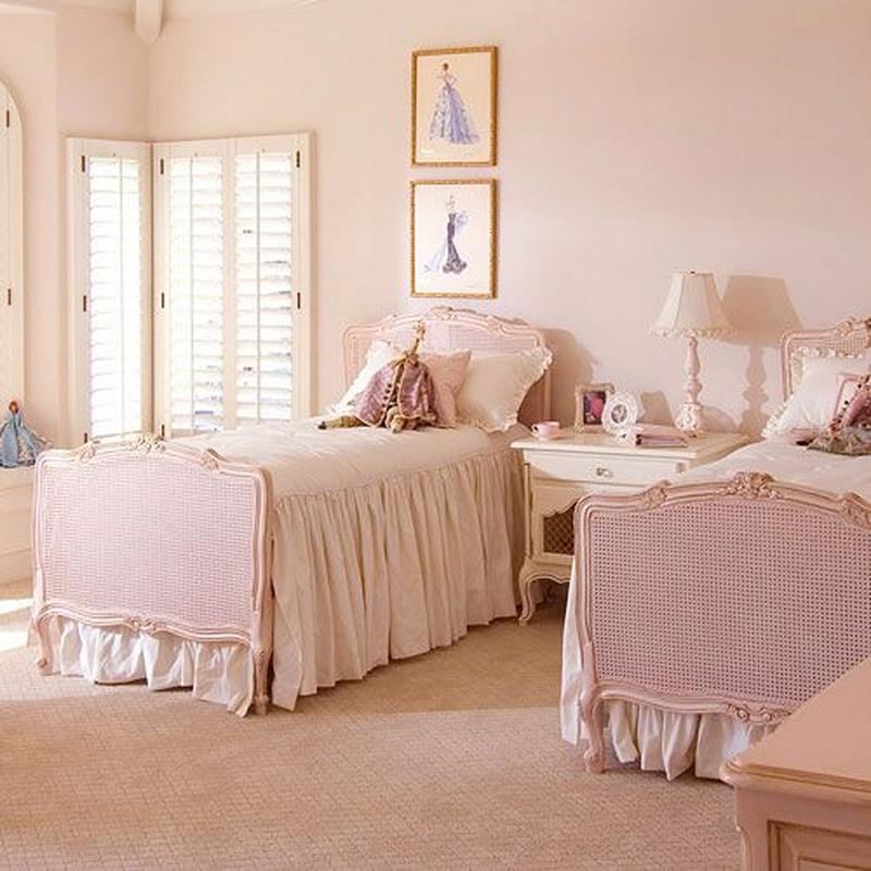 15 french inspired bedrooms for girls rilane. Black Bedroom Furniture Sets. Home Design Ideas