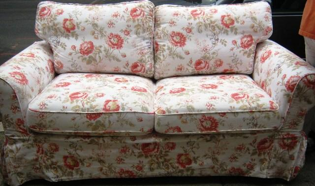 Red Floral Couple Chair